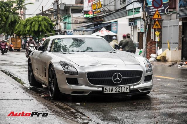 Tóm gọn Mercedes-Benz SLS AMG của ông Đặng Lê Nguyên Vũ khi trên đường về nhà riêng từ Đắk Lắk - Ảnh 3.