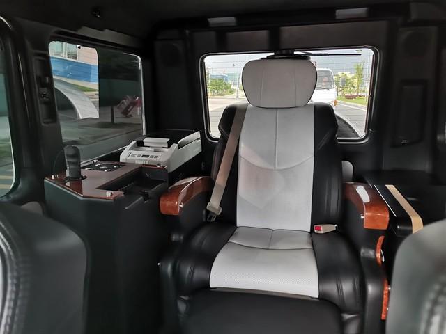 Từng lắp ống thở cho SUV hạng sang chưa đủ, cách làm gói nội thất mới cho Mercedes-AMG G63 của ông Đặng Lê Nguyên Vũ còn đặc biệt hơn thế - Ảnh 2.