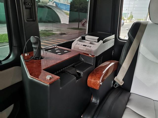 Từng lắp ống thở cho SUV hạng sang chưa đủ, cách làm gói nội thất mới cho Mercedes-AMG G63 của ông Đặng Lê Nguyên Vũ còn đặc biệt hơn thế - Ảnh 3.
