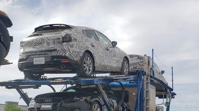 Phiên bản hiệu suất cao của Mazda3 xuất hiện trên đường vận chuyển