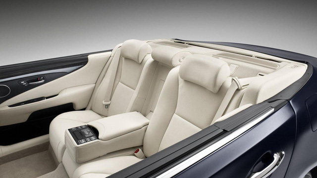 Clip: Chưa có Toyota Century mui trần, tân Nhật Hoàng phải sử dụng tạm bản thường - Ảnh 5.
