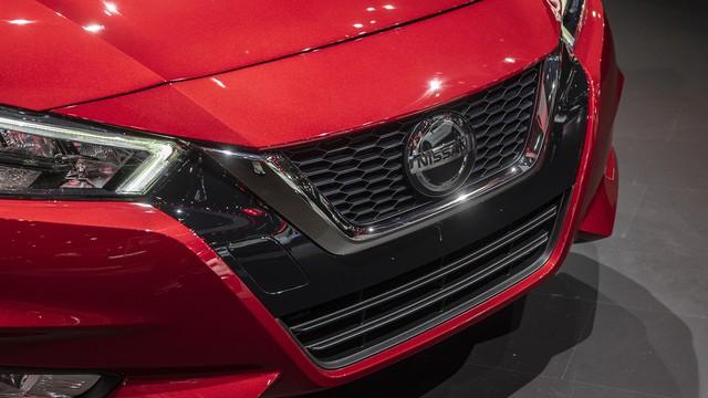 Ảnh thực tế Nissan Sunny thế hệ mới sắp về Việt Nam - Cạnh tranh Toyota Vios nhưng Hyundai Accent phải dè chừng - Ảnh 4.