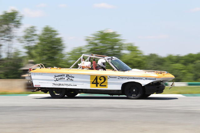 Giải đua kỳ dị nơi mỗi chiếc xe tham dự có giá không quá… 500 USD - Ảnh 14.