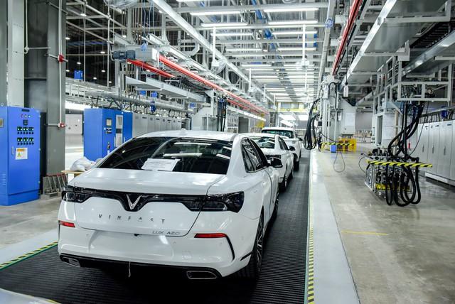 58 xe VinFast Lux và Fadil bắt đầu chạy thử xuyên Việt trước ngày bán ra - Ảnh 4.
