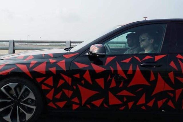 Giải đáp thắc mắc lớn về những chiếc ô tô VinFast chạy thử trên đường - Ảnh 3.