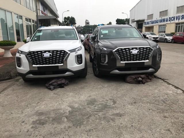 Hyundai Palisade nhập khẩu Hàn Quốc tiếp tục đổ bộ tới Việt Nam, thêm màu sơn trắng - Ảnh 1.