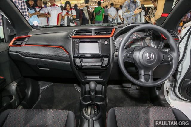Honda Brio bán tại Việt Nam lần đầu lộ nội thất: Vô-lăng 3 chấu, điều hòa một vùng, không có khởi động nút bấm - Ảnh 2.