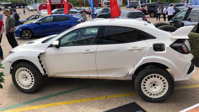 Honda trình làng Civic Type R phiên bản gầm cao ít ai ngờ tới - Ảnh 2.