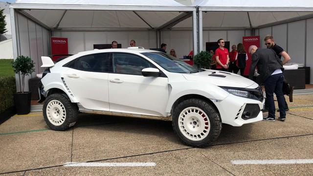 Honda trình làng Civic Type R phiên bản gầm cao ít ai ngờ tới - Ảnh 1.