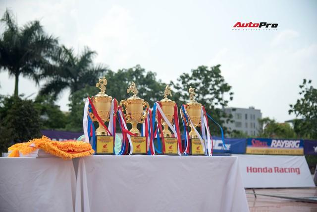 Giải đua xe mô-tô Việt Nam lần đầu tiên được tổ chức tại Hà Nội - Ảnh 6.