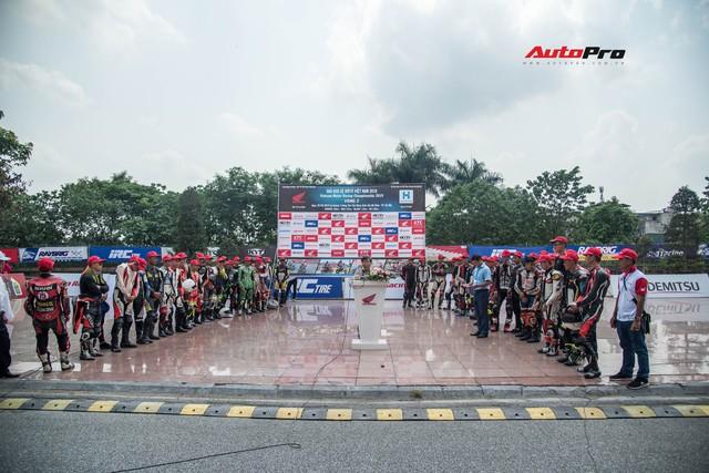 Giải đua xe mô-tô Việt Nam lần đầu tiên được tổ chức tại Hà Nội - Ảnh 1.