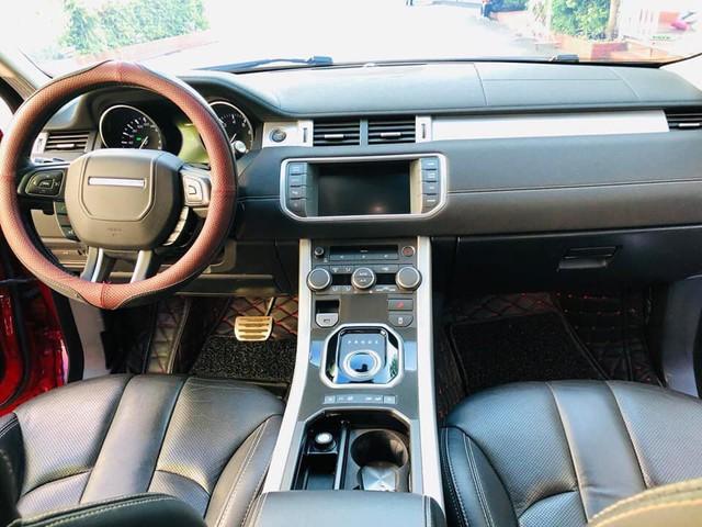 Range Rover Evoque 'full option' màu 'tắc kè hoa' đi 4 năm được bán ngang giá Mercedes-Benz GLC mới tinh - Ảnh 4.