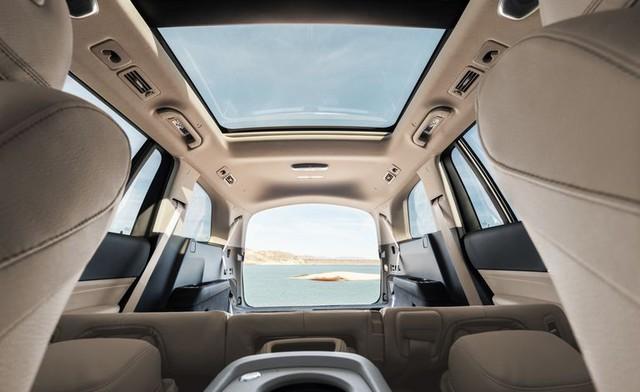 BMW X7 sắp về Việt Nam và đây là cách Mercedes GLS chứng tỏ đẳng cấp hơn cả S-Class của SUV - Ảnh 6.