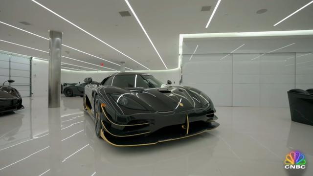 Đại gia bất động sản tậu siêu xe, lãi 1,9 triệu USD sau 5 tháng, liền bỏ 5 triệu USD mua thêm 2 siêu xe khác - Ảnh 2.