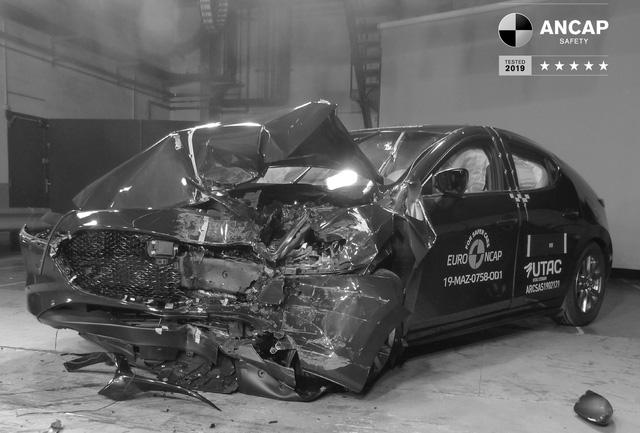 ANCAP: Mazda3 an toàn hơn cả Lexus UX, Range Rover Evoque - Ảnh 3.