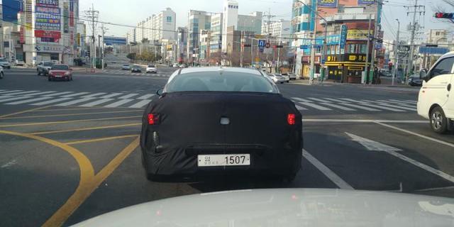 Kia Optima chạy thử lộ diện, nhiều khả năng sexy hơn cả Hyundai Sonata vừa ra mắt - Ảnh 2.