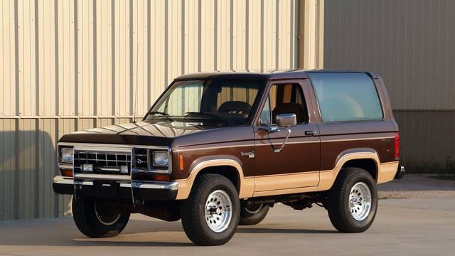 6 điểm cần biết về Ford Bronco ra mắt trong năm sau: Khung Ranger, dáng vuông như G-Class - Ảnh 3.