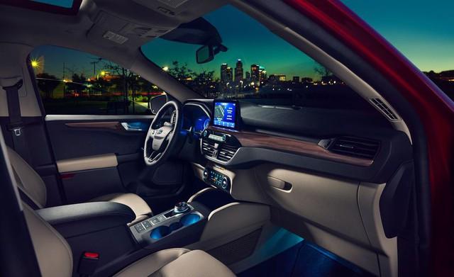Ford Escape 2020 chốt giá, cao hơn Honda CR-V - Ảnh 2.