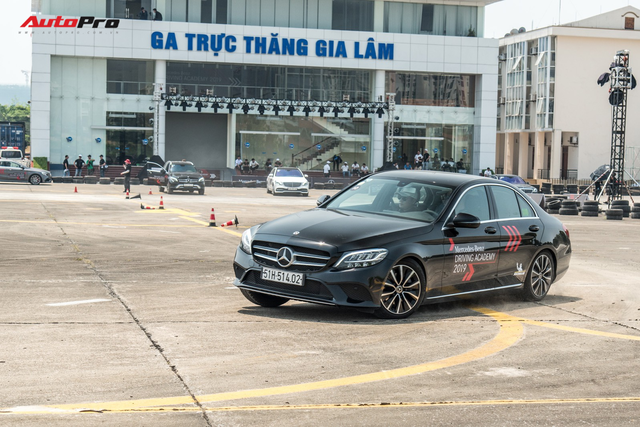 Chủ xe Ford Focus, Honda Civic và Mazda3 nói gì về Mercedes-Benz C-Class 2019 sau lần đầu cầm lái? - Ảnh 6.