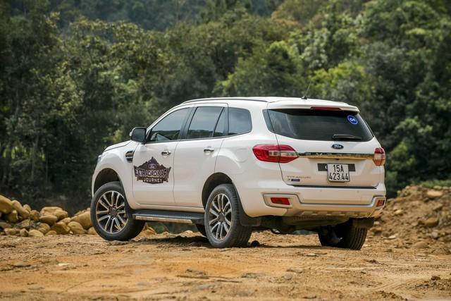 Thực hư chuyện Ford Everest giảm giá mạnh tại đại lý, mức giảm cao nhất 123 triệu đồng - Ảnh 2.