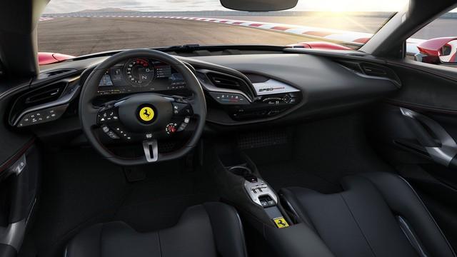 Ra mắt Ferrari SF90 Stradale: Ngựa chồm mạnh mẽ nhất lịch sử - Ảnh 6.