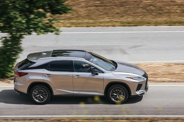 Ra mắt Lexus RX 2020: Chuyển mình để theo kịp Mercedes GLE - Ảnh 4.