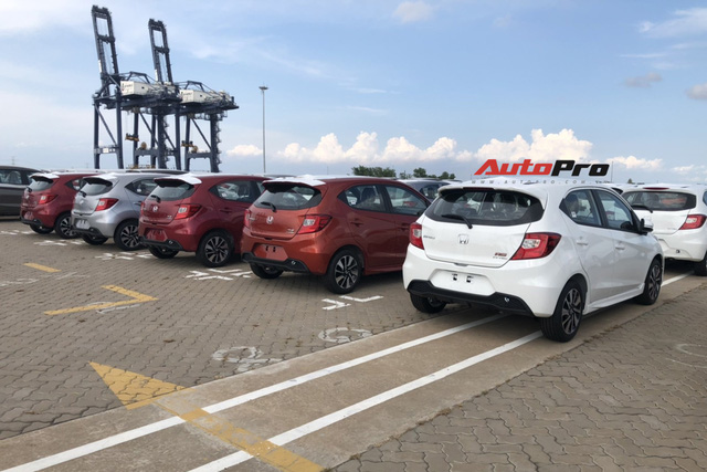 Lô gần 400 xe Honda Brio đổ bộ Việt Nam với một điểm độc đáo so với các xe phổ thông trên thị trường - Ảnh 3.