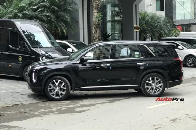Cận cảnh ngoại thất Hyundai Palisade đầu tiên tại Việt Nam - Sẽ lắp ráp như Santa Fe? - Ảnh 3.