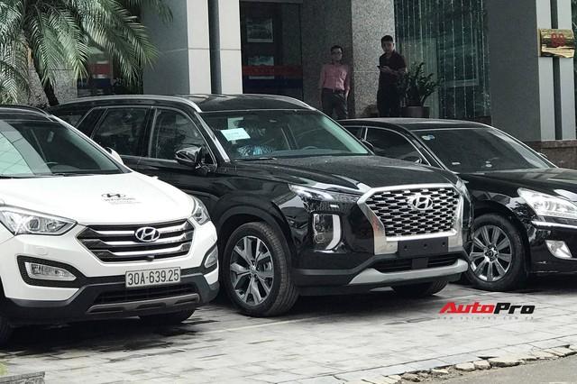 Cận cảnh ngoại thất Hyundai Palisade đầu tiên tại Việt Nam - Sẽ lắp ráp như Santa Fe? - Ảnh 1.