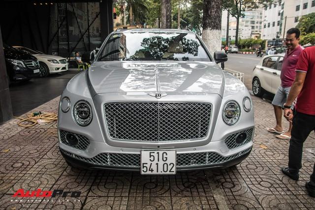 Tóm gọn Bentley Bentayga First Edition của ông Đặng Lê Nguyên Vũ đi bảo dưỡng - Ảnh 2.