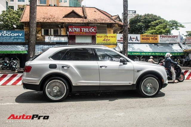 Tóm gọn Bentley Bentayga First Edition của ông Đặng Lê Nguyên Vũ đi bảo dưỡng - Ảnh 11.