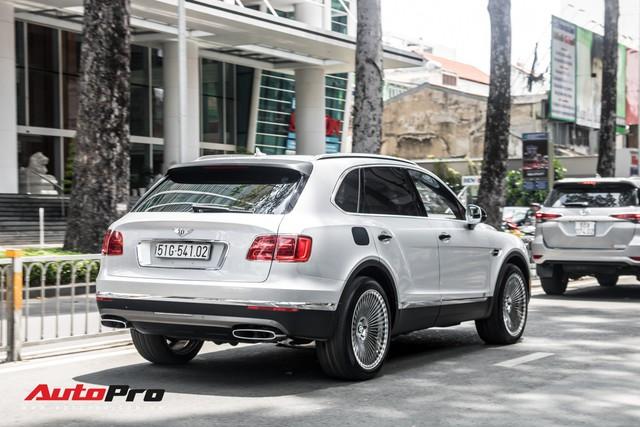 Tóm gọn Bentley Bentayga First Edition của ông Đặng Lê Nguyên Vũ đi bảo dưỡng - Ảnh 10.