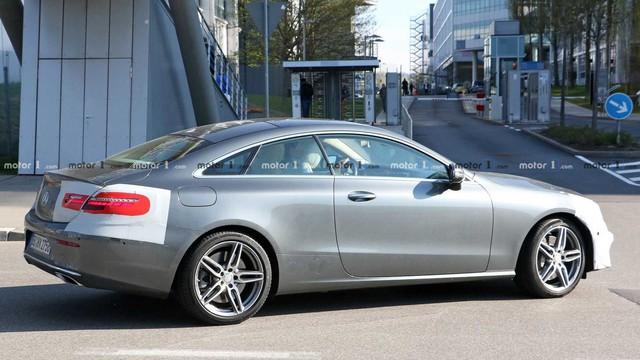 Không cần giấu diếm, Mercedes-Benz E-Class Coupe facelift khoe trọn thiết kế khi chạy thử - Ảnh 1.