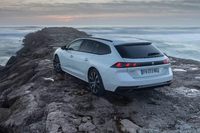 Có nên chọn cấu hình đặc biệt này của Peugeot 508 thay vì bản sedan? - Ảnh 8.
