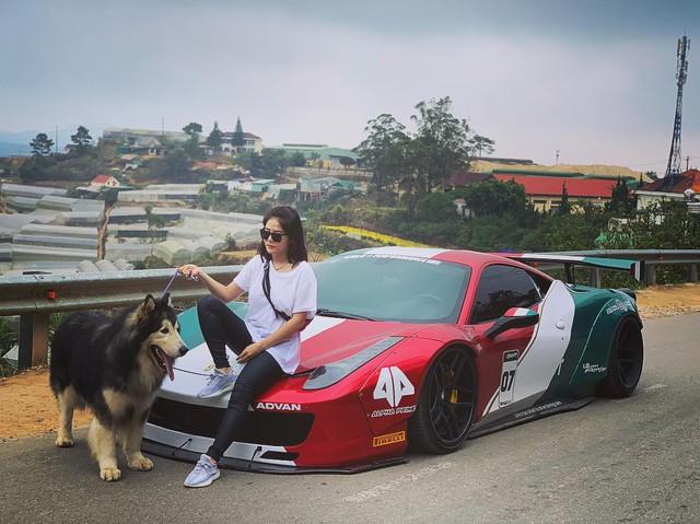 Hot girl 9x xuất hiện bên cạnh một loạt siêu xe, xe thể thao đình đám ở Việt Nam là ai? - Ảnh 1.