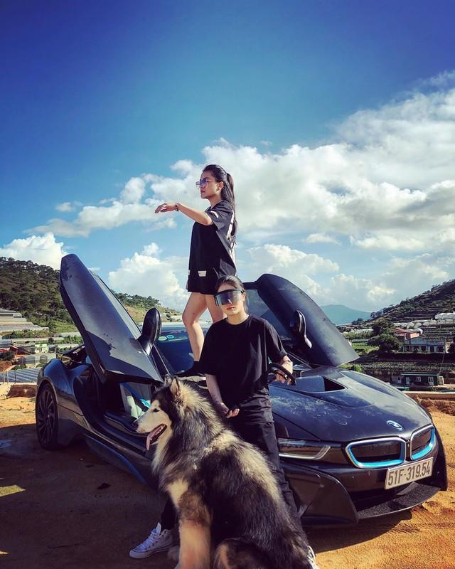 Hot girl 9x xuất hiện bên cạnh một loạt siêu xe, xe thể thao đình đám ở Việt Nam là ai? - Ảnh 6.