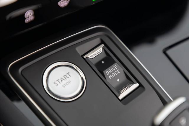 Có nên chọn cấu hình đặc biệt này của Peugeot 508 thay vì bản sedan? - Ảnh 13.