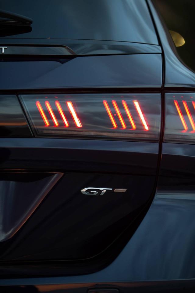 Có nên chọn cấu hình đặc biệt này của Peugeot 508 thay vì bản sedan? - Ảnh 5.