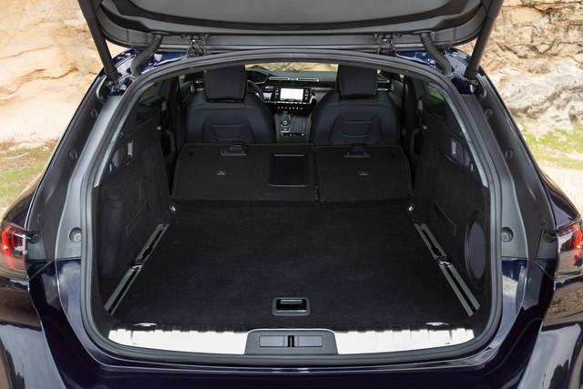 Có nên chọn cấu hình đặc biệt này của Peugeot 508 thay vì bản sedan? - Ảnh 15.