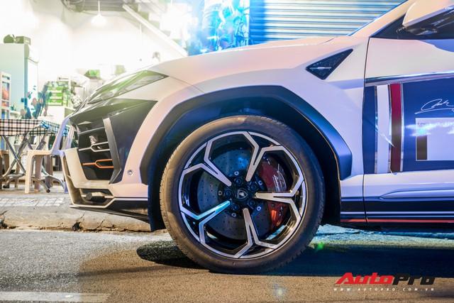 Minh nhựa lái siêu SUV Lamborghini Urus đi ăn đêm sau khi nhận Mercedes-AMG G63 Edition 1 - Ảnh 3.