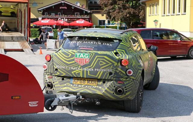 Lộ nội thất Aston Martin DBX 2020 chuẩn bị ra mắt đấu Lamborghini Urus - Ảnh 5.
