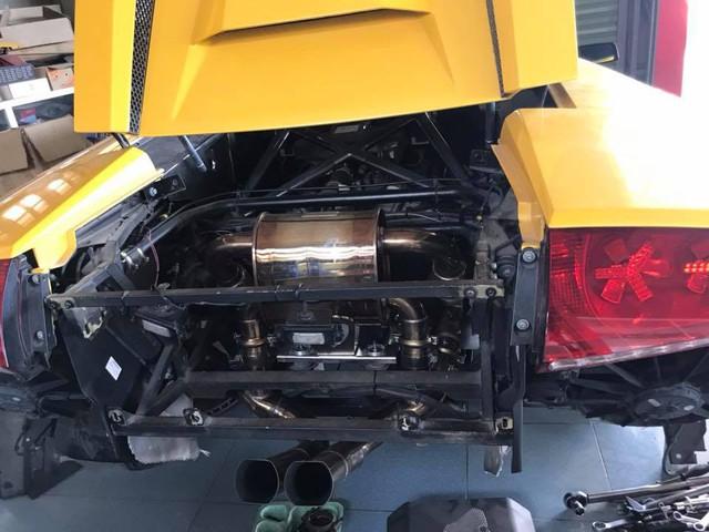 Lamborghini Murcielago mui trần độc nhất Việt Nam độ nhiều đồ chơi trước khi lên đường Car Passion 2019 - Ảnh 4.