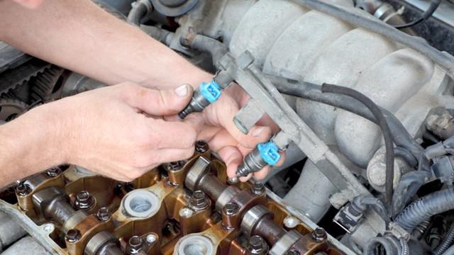 Dấu hiệu nhận biết xe mua phải xăng rởm - Ảnh 1.