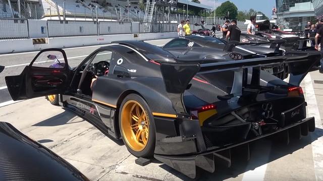 Ngày hội 'Car Passion' của những chủ xe Pagani dừng chân tại đường đua danh giá của nước Ý