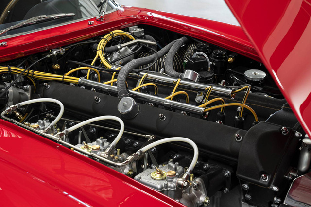 Aston Martin ra mắt xe đắt giá nhất lịch sử, hơn gấp đôi Bugatti Chiron - Ảnh 6.
