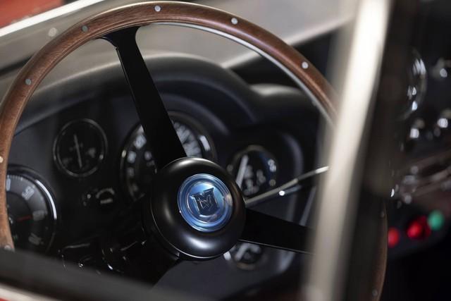 Aston Martin ra mắt xe đắt giá nhất lịch sử, hơn gấp đôi Bugatti Chiron - Ảnh 4.