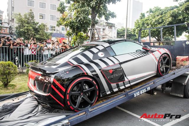Chùm ảnh: Người dân Hà Nội chen chúc xem siêu xe tụ họp trước thềm Car Passion 2019 - Ảnh 7.