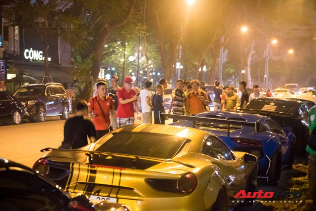 Chùm ảnh: Người dân Hà Nội chen chúc xem siêu xe tụ họp trước thềm Car Passion 2019 - Ảnh 10.