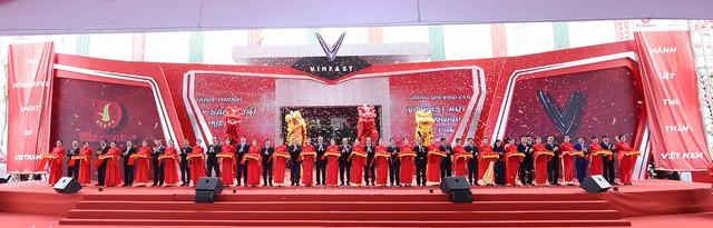 Phó Chủ tịch kiêm Tổng Giám đốc Tập đoàn VinGroup: VinFast đã nhận được đơn đặt hàng hơn 10.000 xe ô tô - Ảnh 1.