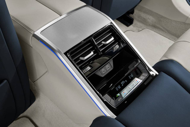 Đấu Mercedes-Maybach S-Class, BMW 8-Series 4 cửa lộ ảnh chi tiết trước ngày ra mắt  - Ảnh 10.